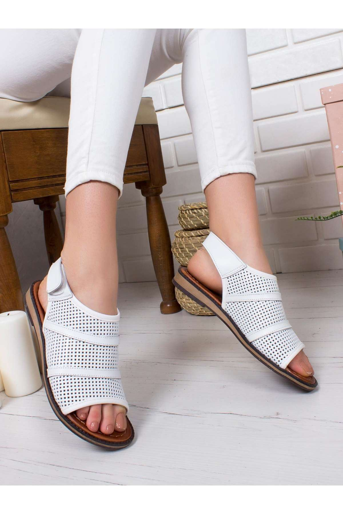 Star Hakiki Deri Sandalet BEYAZ