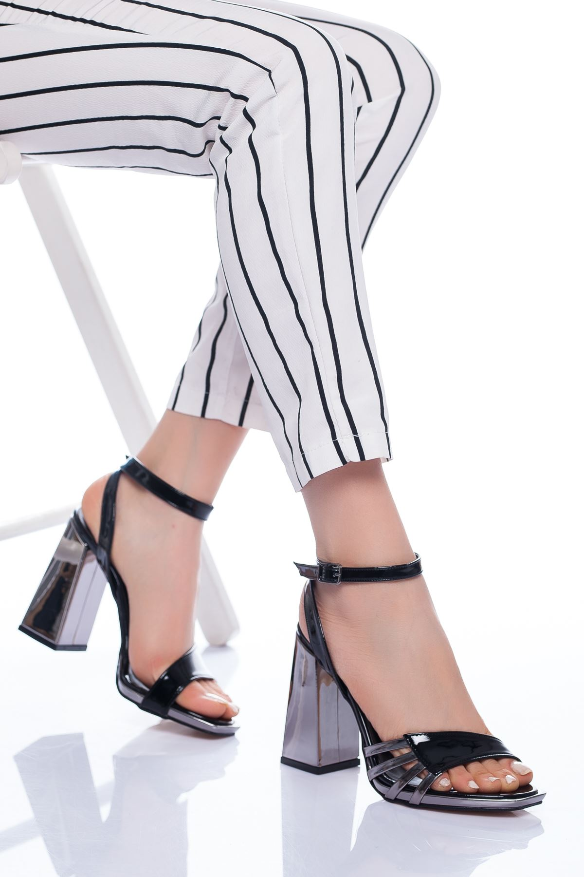 Amari Topuklu Ayakkabı SİYAH-PLATİN