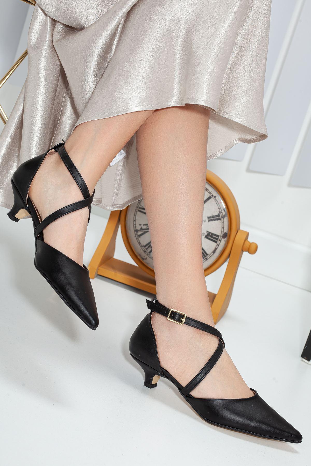 Noyan Topuklu Ayakkabı SİYAH CİLT